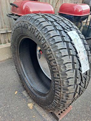 1 tire 305/55/20 for Sale in Newark, NJ