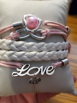 Pink Bracelet for Sale in Wenatchee,  WA