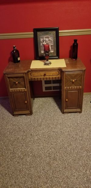 Antique Desk for Sale in Everett, WA