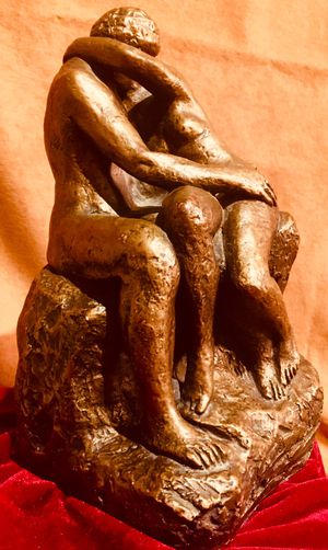 """""""Lovers"""" beautiful vintage Austin Art sculpture 1961 H10xW6xD6 inch Lbs 8.8 for Sale in Chandler, AZ"""