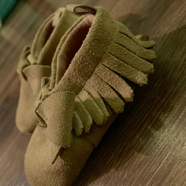 Baby Girl Moccasins Size 6-12 Months