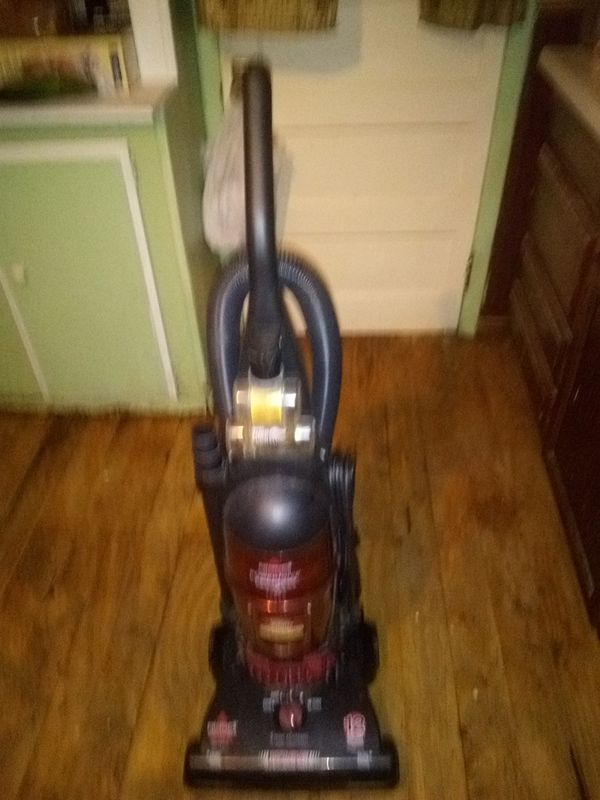 Bissell bagles vacuum cleaner