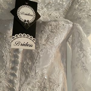 Wedding Dress With Chapel Train for Sale in Arlington, WA