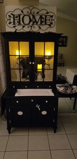 Antique, solid wood hutch. for Sale in Tampa,  FL