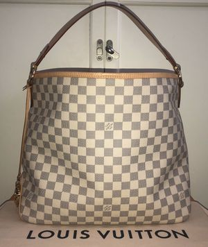 Louis Vuitton Delightful MM bag for Sale in Fair Oaks Ranch, TX