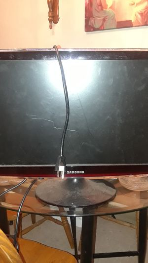 samsung sync master monitor and a photo digital printer i will take $180 for both or $100 a piece please txt{contact info removed} for Sale in Fresno, CA