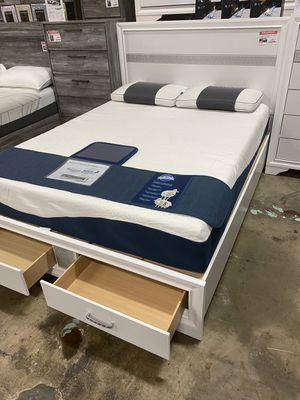 Queen Storage Bed, White for Sale in Bell Gardens, CA
