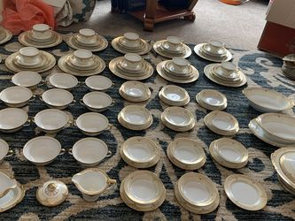 Noritake Japanese China Set 100 Pieces Total for Sale in East Wenatchee,  WA