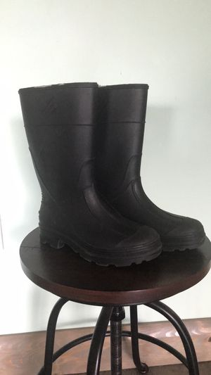 Rain boots Size 3 for Sale in Riverview, FL