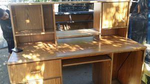 nice desk for Sale in Fresno, CA