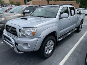 Toyota Tacoma PreRunner 2005. Take it to your house with SSN or Tax ID, Driver License and just $1000 / Llévatela a tu casa con tan solo el Social Se for Sale in Buford, GA