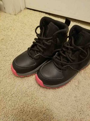 Pink & Black Girls Nike Boots for Sale in Anoka, MN