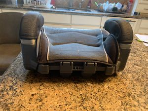 Graco booster seat for Sale in Kirkwood, NJ