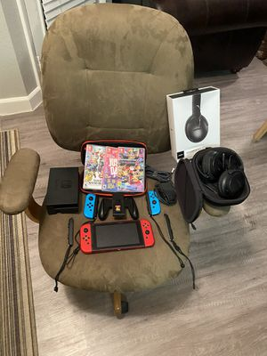 Nintendo Switch +4 games+bose+chair for Sale in Las Vegas, NV