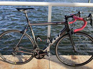 Felt carbon fiber road bike, mint condition, 58 cm xl size for Sale in Pompano Beach, FL