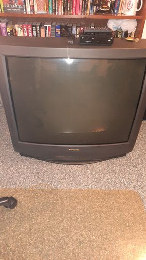 """42"""" old school Panasonic tv with converter for Sale in Seven Hills, OH"""