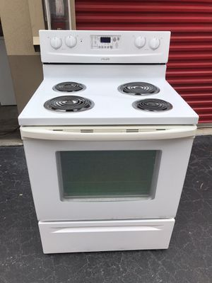 Whirlpool stove good condition everything works for Sale in Boynton Beach, FL