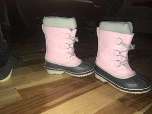 Sorel kids size 13 snow boots for Sale in Oregon City, OR