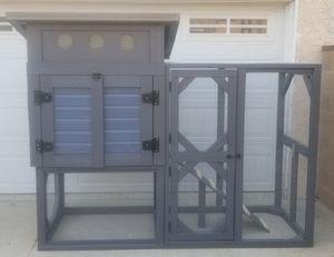 Custom built modern chicken coop for Sale in Los Angeles, CA