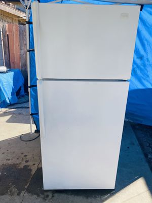 Whirlpool refrigerator for Sale in Bell Gardens, CA