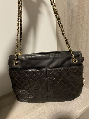Chanel bag black leather for Sale in Miami, FL