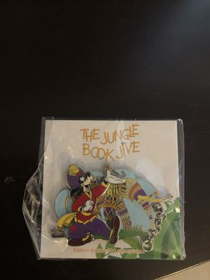 Paris Disney pin goofy for Sale in Miami, FL