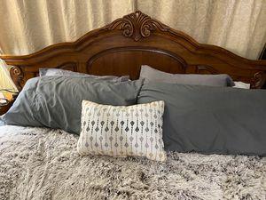 King size bedroom set for Sale in VC Highlands, NV