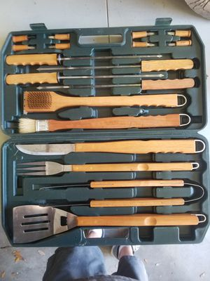 Grill set 18 piece with case $25 for Sale in Pinellas Park, FL