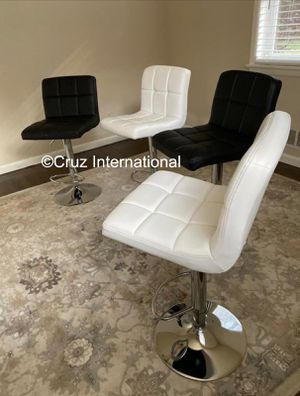 New 4 stools for Sale in Orlando, FL