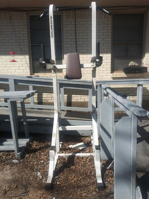 Gold's Gym exercise thing. Free !! for Sale in Dallas, TX