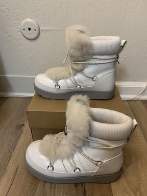 100% Authentic Brand New in Box UGG Highland Waterproof Boots / Women size 9 for Sale in Walnut Creek, CA