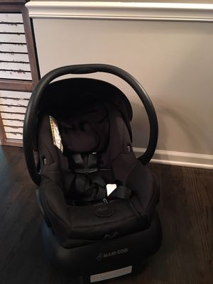 Maxi Cosi infant car seat 2017 for Sale in Naperville, IL