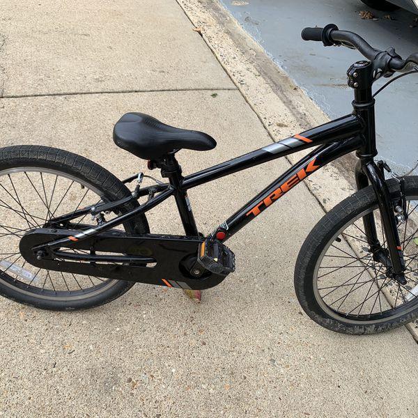 """Trek 22"""" Bike"""