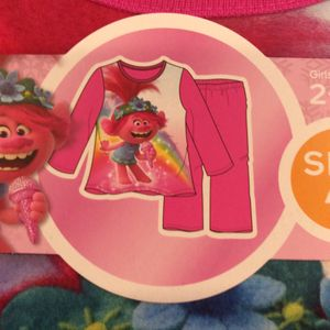 Girls Trolls Fleece 2 - Piece Pajamas Size 4T $18.00 for Sale in Carson, CA