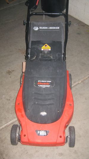Black and Decker Lawn Hog Electric ( plug in ) 19 inch Mulching Mower for Sale in Phoenix, AZ