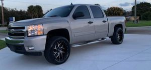 FOR SALE%Great Shape. chevy silverado 1500 4x4 Great Shapee. 4WWWDWheels for Sale in HUNTINGTN BCH, CA