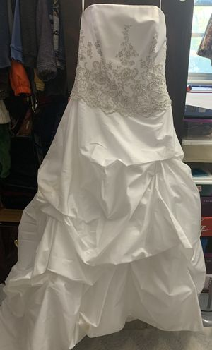 Size 6 wedding dress for Sale in Parkdale, OH