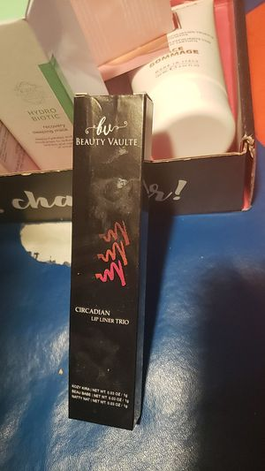 Beauty Vaulte lip liner trio for Sale in Hayward, CA