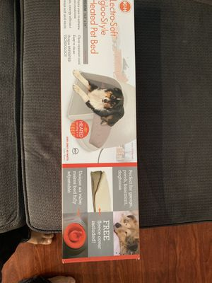 K&H Pet Products Lectro-Soft Igloo Style Outdoor Heated Bed Medium for Sale in Long Beach, CA