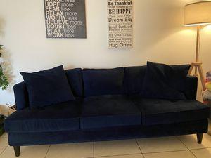 Couch blue velvet-MACYS for Sale in Miami, FL