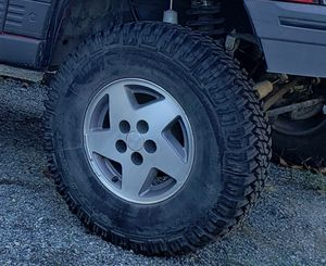 Jeep wheels and tires for Sale in Bonney Lake, WA