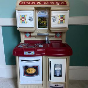 Step2 Cozy Kitchen for Sale in Cranston, RI