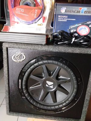 """12"""" kicker 1600w amp. Epicenter and wires for Sale in Las Vegas, NV"""