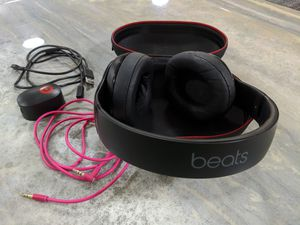 Beats studio 2 wireless noise cancelling headphones for Sale in New Smyrna Beach, FL