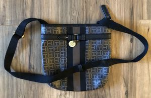 Tommy Hilfiger crossbody bag for Sale in San Diego, CA