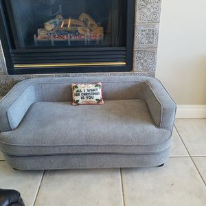 Lazy Boy Dog Or Cat Couch for Sale in Chino Hills, CA