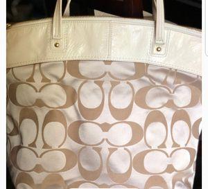 Coach Large Shoulder Bag Gently used for Sale in Litchfield Park, AZ