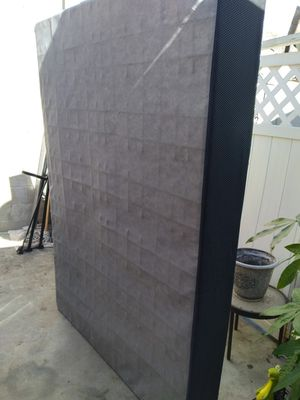 Full zise box spring for Sale in City of Industry, CA