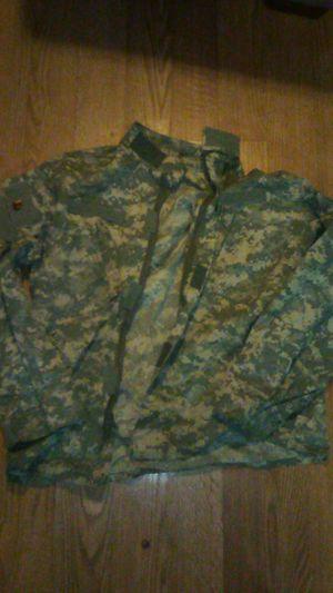 Camo Long sleeve shirt Medium for Sale in Tacoma, WA