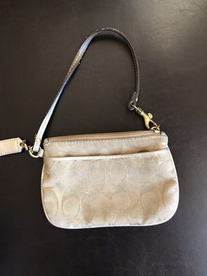 Small coach purse for Sale in San Juan Bautista, CA